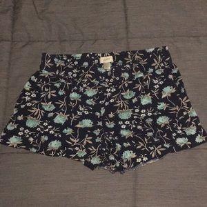 Ann Taylor LOFT floral shorts sz 2 XS